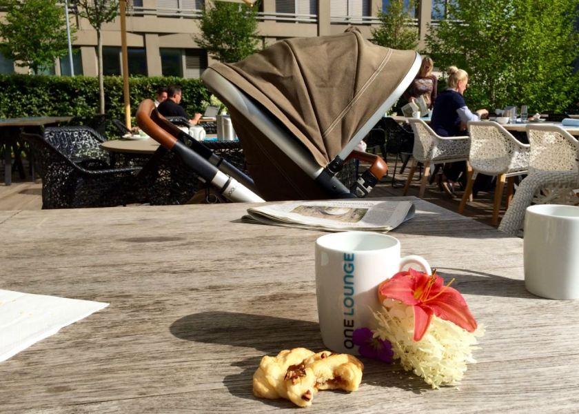 Zweiter Teil des Frühstücks auf der Hotel-Terrasse.
