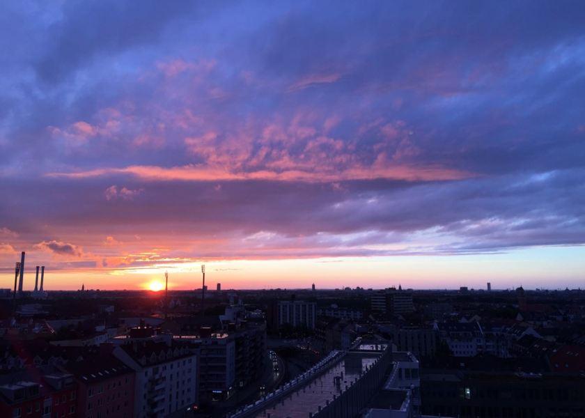 Atemberaubender Blick aus den oberen Etagen des Motel One München-City-Süd