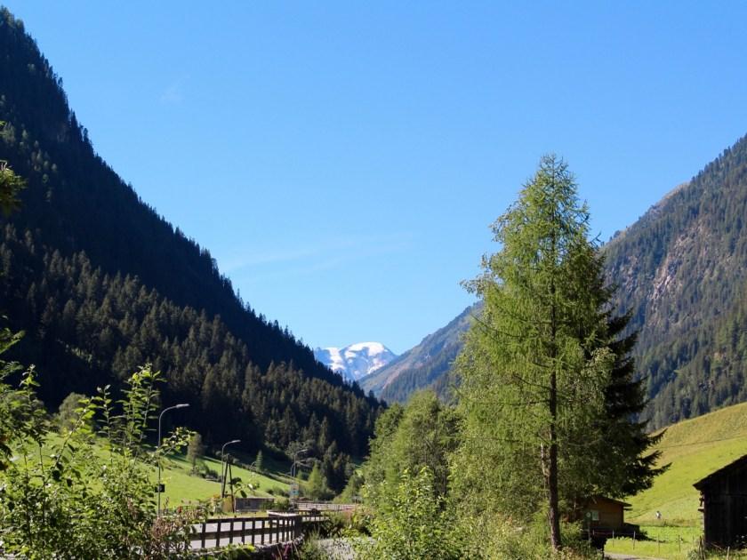 Tirol barrierefrei: Blick von Feichten im Kaunertal Richtung Kaunertaler Gletscher www.berlinfreckles.de