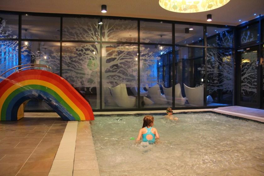 Tummelplatz für die Kleinen: Das Kleinkindbecken im Spabereich des a-ja Resorts Bad Saarow.