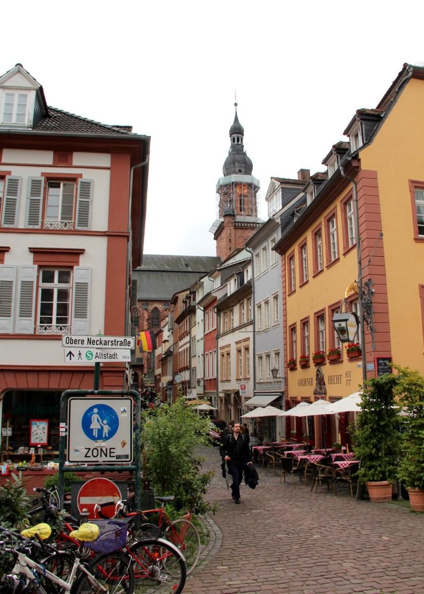 Viele Straßen in der Heidelberger Altstadt sind autofrei.