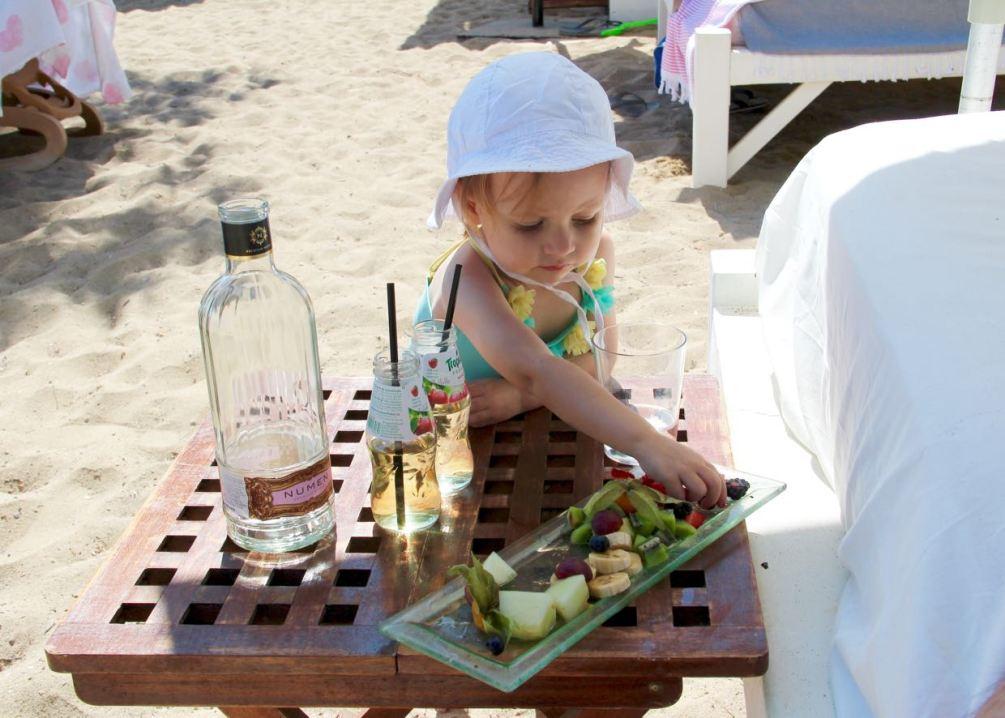 Ibiza Tipp: Pura Vida Beach Club und Restaurant. direkt am Strand von Es Nu Blau. www.berlinfreckles.de