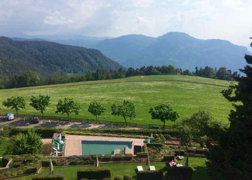 Der Ausblick vom Parkhotel Holzner. Ein Aufenthalt hier ist wie Nachhausekommen.