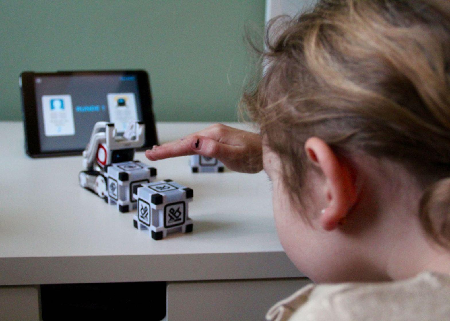 Anki Cozmo Erfahrungsbericht: Der Cozmo Roboter im Test