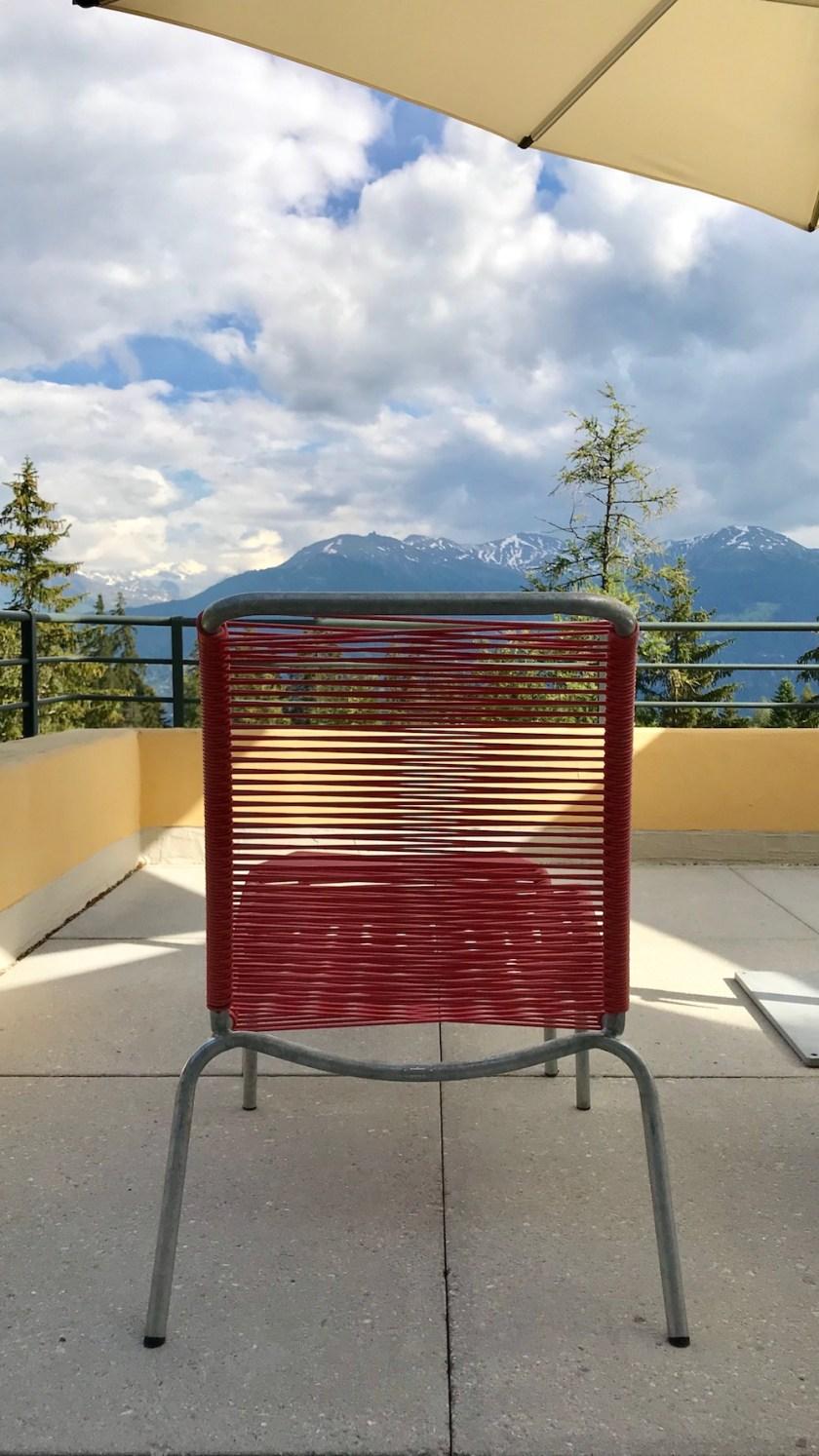 Jugendherberge Bella Lui Crans-Montana: Eine der Terrassen