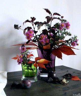 Mit zwei Vasen entsteht gleich ein Arrangement