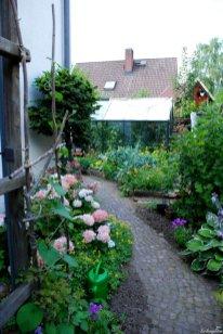 Seitlicher Garten
