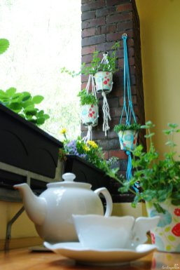 Tee auf Balkon