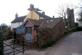 Verwinkeltes Cottage mit Töpferwerkstatt