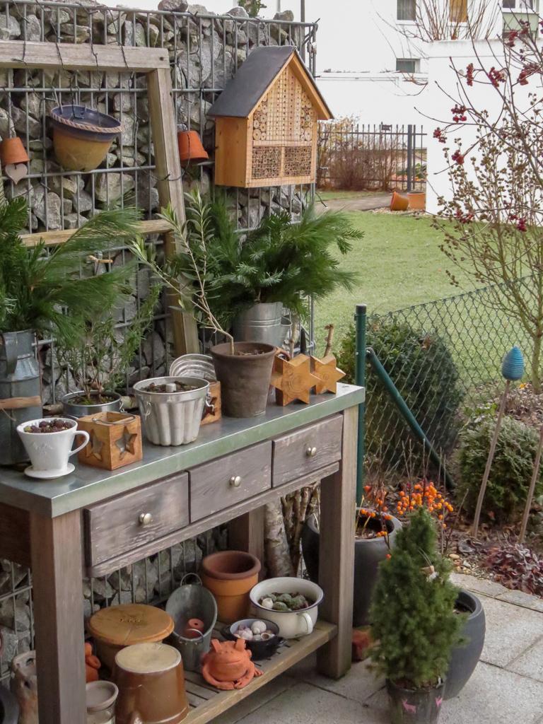 Adventliche Gartenszene