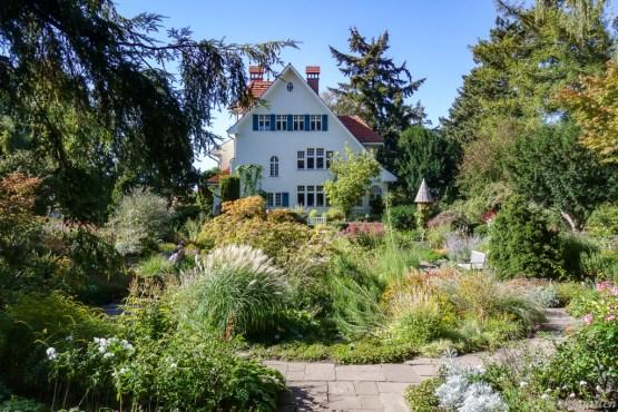 Karl-Foerster-Garten mit Haus