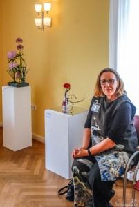 Ulrike Vogler ist Leiterin der Ikebana-Ausstellung