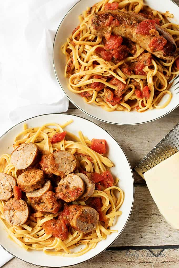 A meaty, spicy Italian sausage and tomato linguine recipe that's perfect for a quick weeknight dinner. Proving good food doesn't have to take all day!