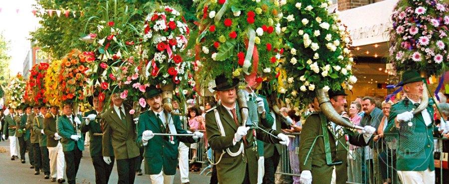Jan bei der Blumenhornparade 2004