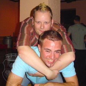 Thomas und Daniel beim Kirmesfreitag 2004