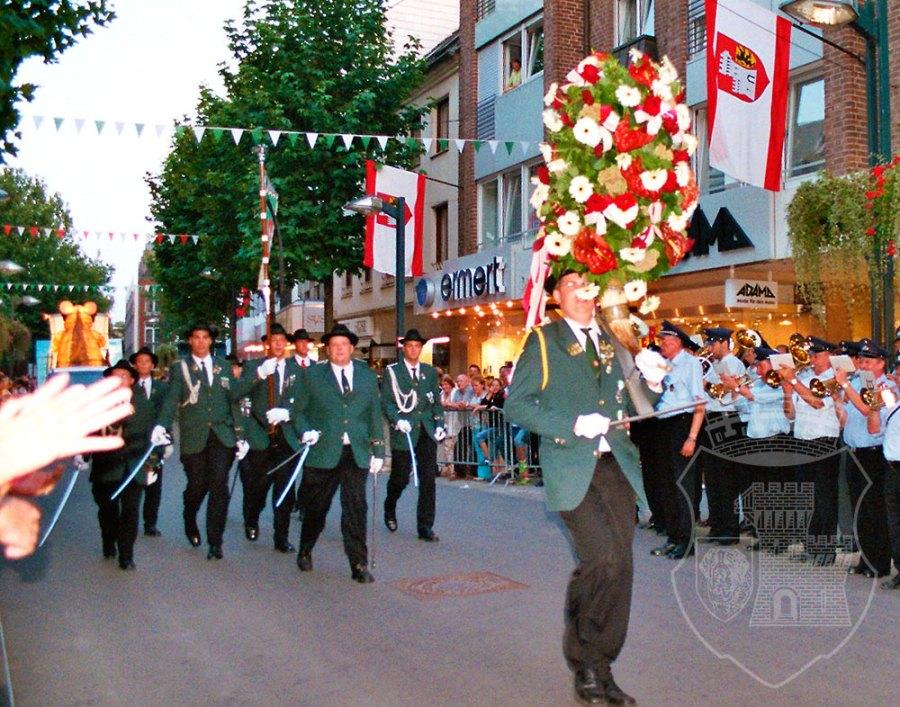 So hat sich der Spieß die Dienstags-Parade mit Blumenhorn sicher nicht vorgestellt...