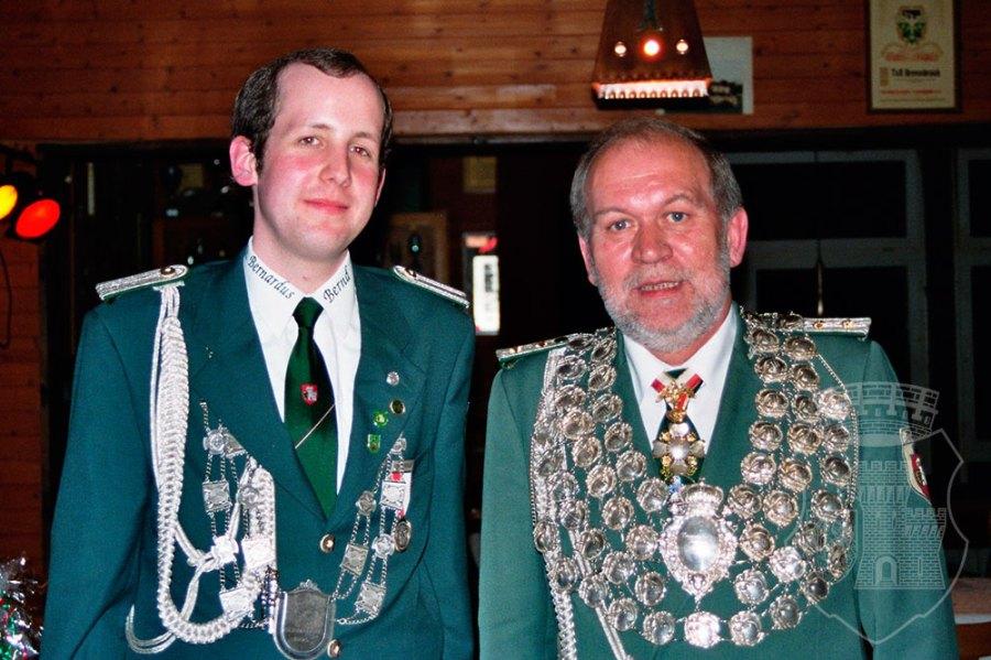 Gekrönte Häupter: Bernd I. Pannes und Josef III. Wacker beim Bernardus-Königsehrenabend.
