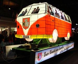 Der fertige Legendenbus in voller Pracht beim Fackelzug 2017.