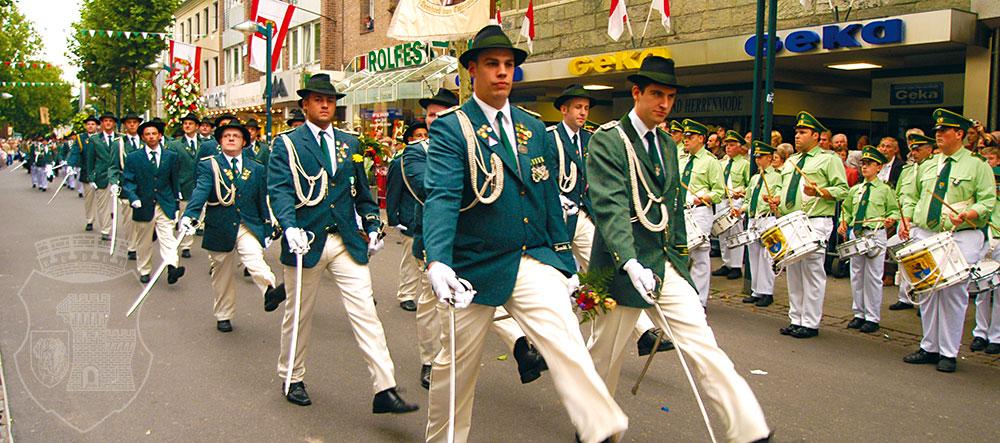 Akkurat wie immer: Die Bernardus-Parade am Kirmessonntag 2007.