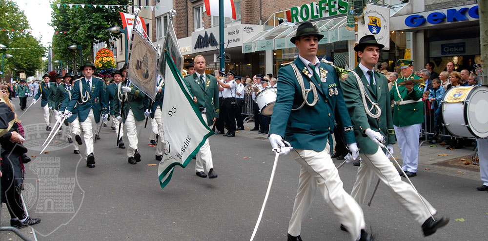 Parade am Kirmessonntag 2008.