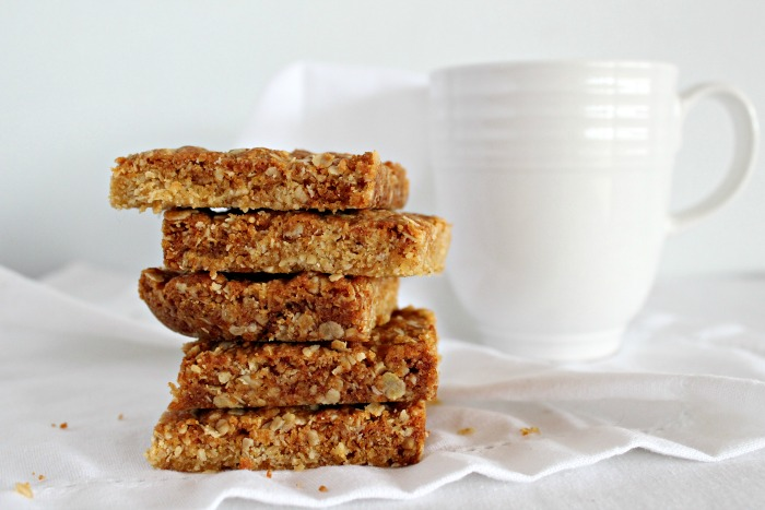 gran's original golden tea time crunchies | berrysweetlife.com