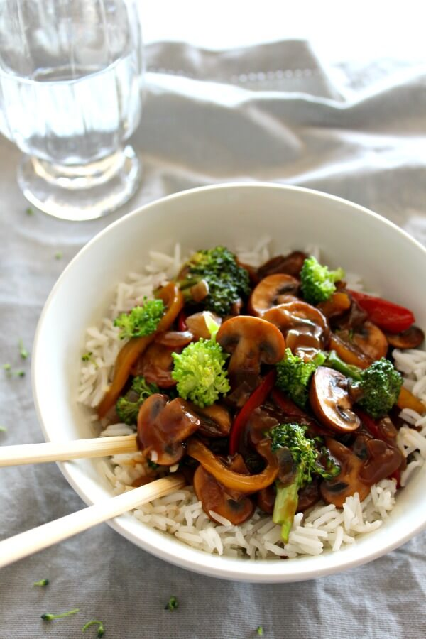 Mushroom Broccoli & Ginger Stir Fry. A delicious vegetarian dish for mushroom lovers. You won't believe the flavour punch that this dish packs! So healthy, quick & easy to make. Yum yum!! | berrysweetlife.com