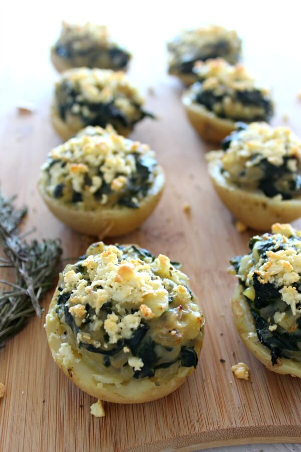 Spinach & Feta Jacket Stuffed Potatoes . Very quick & easy, healthy side dish recipe. Great for the holidays or a weeknight dinner. Really delicious! | www.berrysweetlife.com