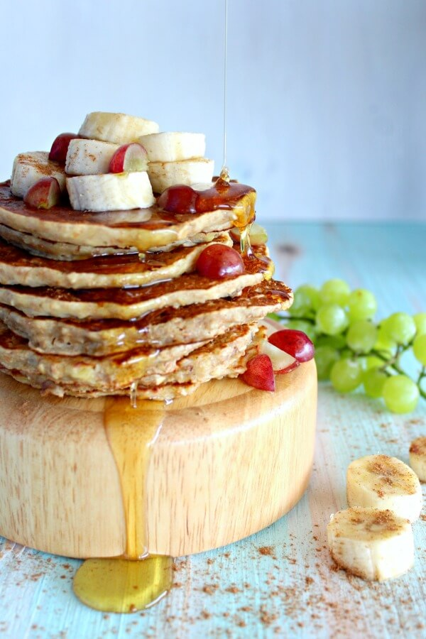 Healthy Oatmeal Bran Banana Pancakes. The most AMAZING, quick & easy healthy breakfast pancakes EVER! You won't be able to resist these, but they're good for you! | berrysweetlife.com
