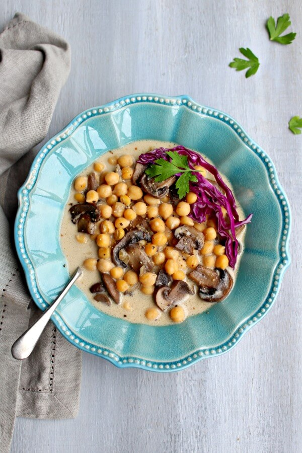 Hearty Black Pepper Mushroom Chickpea Soup. Singing with mushroomy flavour and packed with goodness, quick & easy to make, you'll be hooked on this soup! | berrysweetlife.com