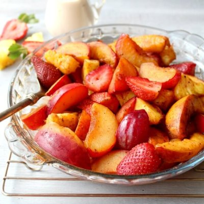 Honey Vanilla Nutmeg Summer Fruit Bake