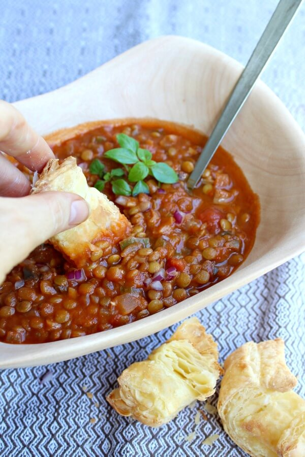 Vegetarian Tomato Mushroom Lentil Ragout. A French stew inspired vegetarian meal that the whole family will love. SO packed with flavour and GOODNESS and easy to make | berrysweetlife.com