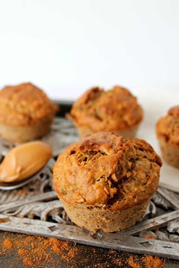 Oatmeal Peanut Butter Banana Muffins. Healthy & delicious muffin recipe, perfect for breakfast, lunch boxes or a tasty snack! Kids & adults love these | berrysweetlife.com