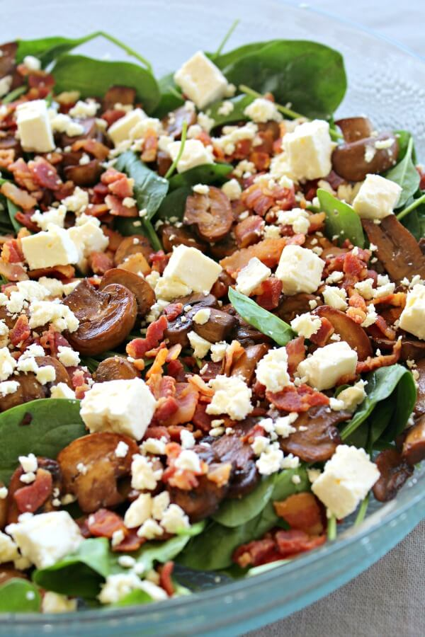 Balsamic Mushroom Bacon Spinach Salad. A truly yummy combo, perfect for all seasons and all occasions. This is a versatile salad that looks just as good as it tastes!   berrysweetlife.com