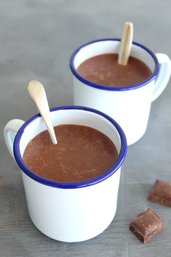 Spicy Thick Healthy Hot Chocolate. The perfect warm and comforting, silky smooth hot chocolate treat, it's quick and easy to make and the whole family will love it. | berrysweetlife.com
