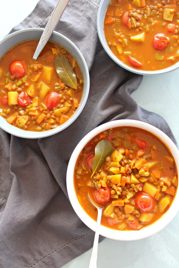 Amazing Indian Vegetable Lentil Soup. A fragrant, simple, extremely HEALTHY soup made with curry powder and spices, lentils and lots of fresh veggies | berrysweetlife.com