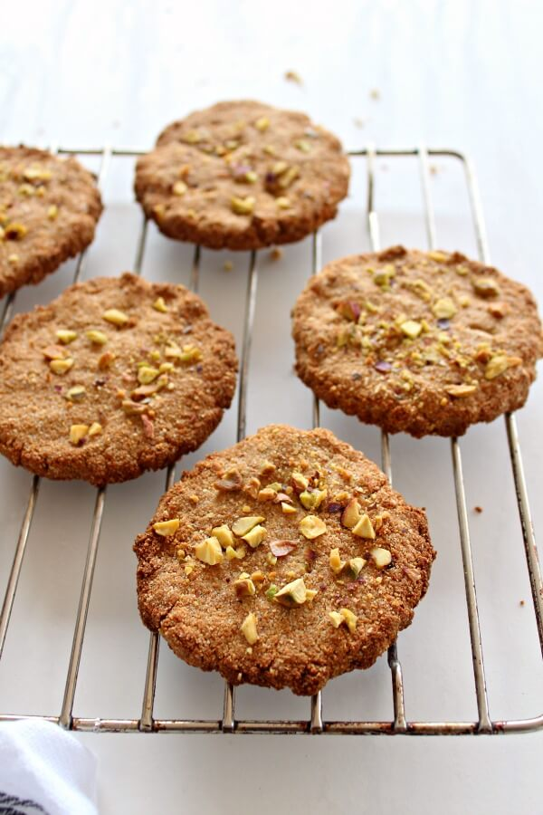One Bowl Pistachio Ginger Snaps. Sugar, gluten, dairy and egg free - these YUMMY Ginger Snaps take just 5 minutes to bake to golden brown perfection! | berrysweetlife.com