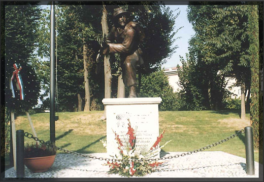 monumento01