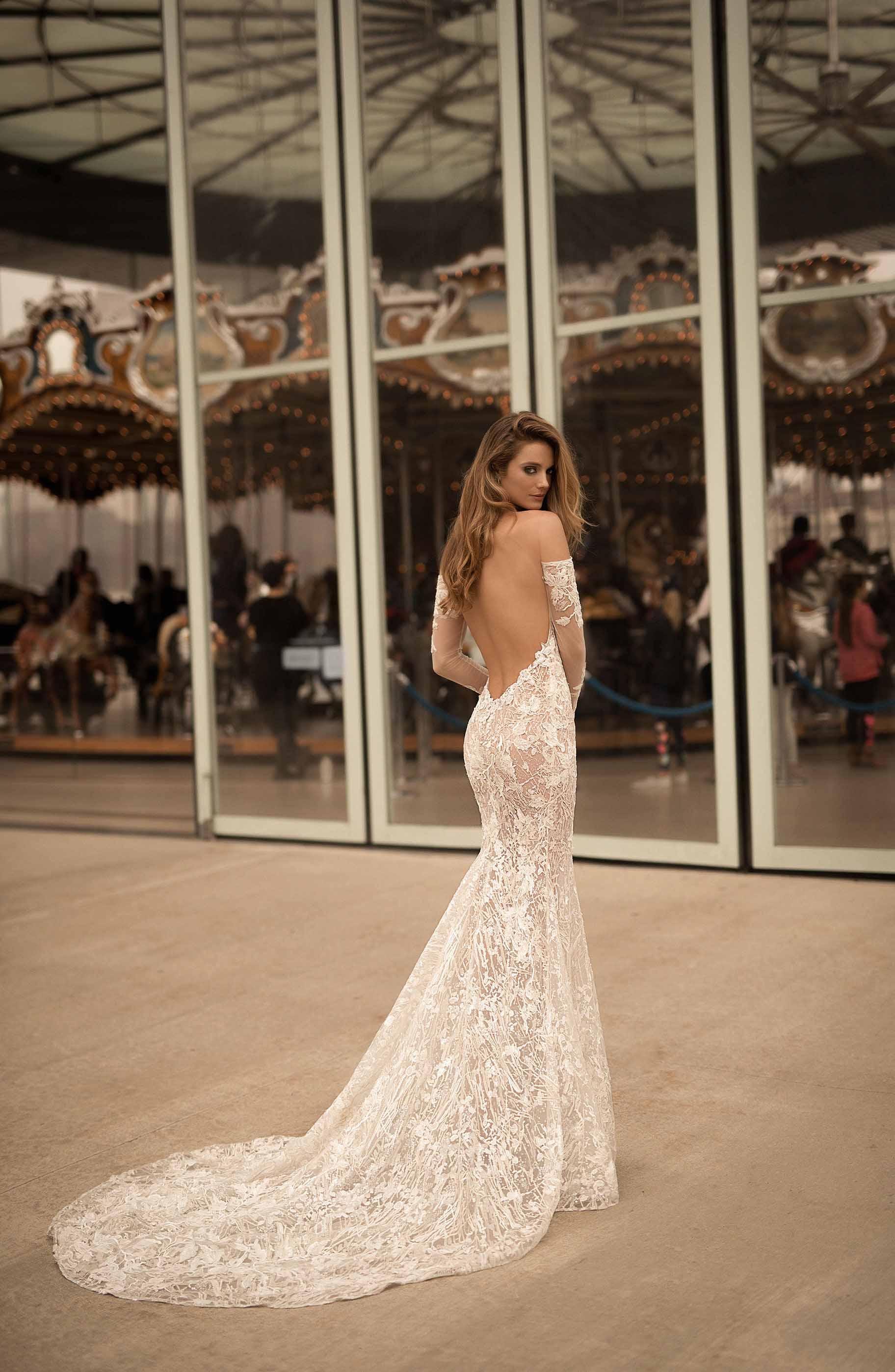 berta spring 2018 bridal strapless sweetheart neckline full embellishment elegant sexy sheath wedding dress poen back sweep train (11) mv
