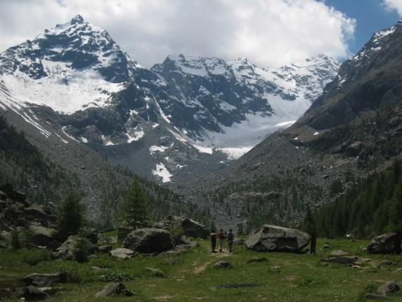 Le refuge Porro est au pied du glacier Valentina