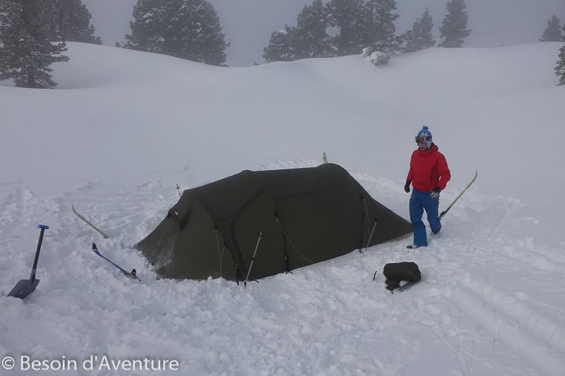 Traversée-haut-plateau-du-Vercors-a-ski-de-randonnée-nordique-bivouac