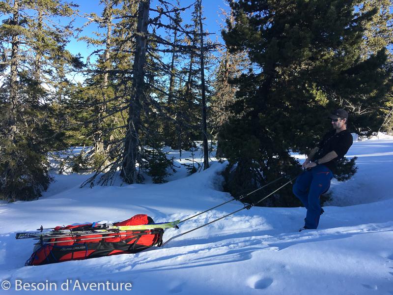 Traversée-haut-plateau-du-Vercors-a-ski-de-randonnée-nordique-descente-raide