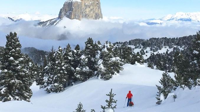 Traversée-haut-plateau-du-Vercors-a-ski-de-randonnée-nordique-photo-mont-aiguille