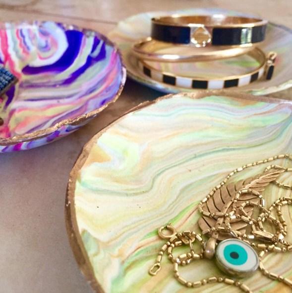 diy decorative marbled plates