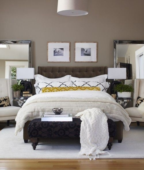 How to layer pillows on a bed 1