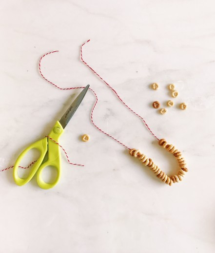 DIY Cheerios Necklace for teething baby