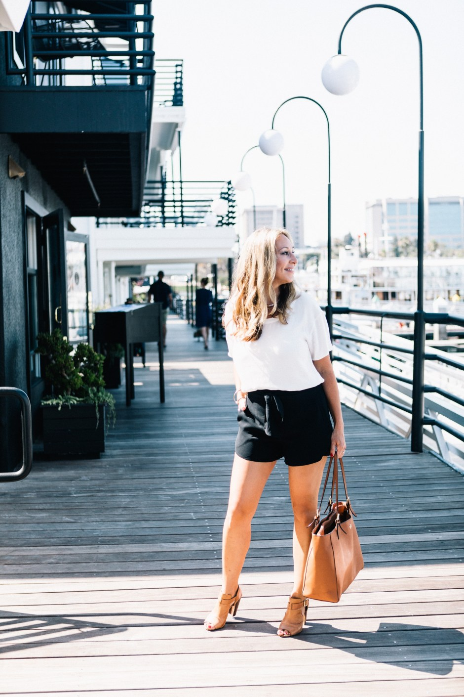 how to style short shorts for day to night look