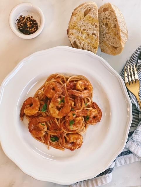 shrimp pasta in spicy tomato sauce