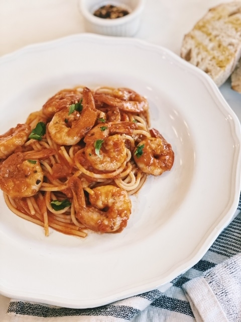 quick shrimp pasta in spicy red tomato sauce