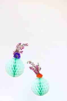 Fresh flower honeycomb decor ideas