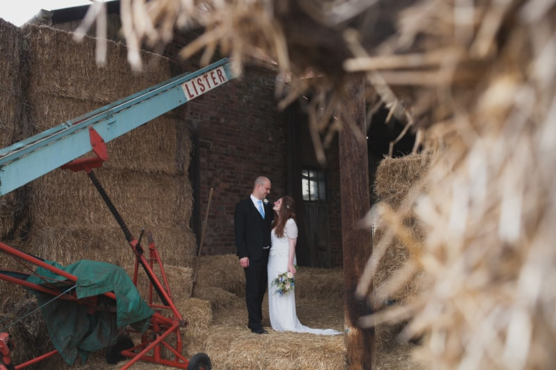 A Handmade & Laid-back Backyard Wedding in a Tipi (33)
